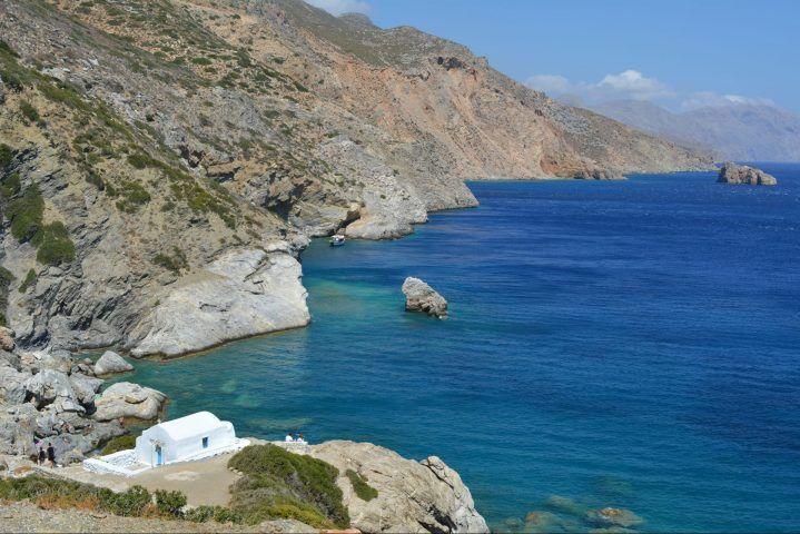 εκκλησάκι Αγίας Άννας Αμοργός travelshare.gr