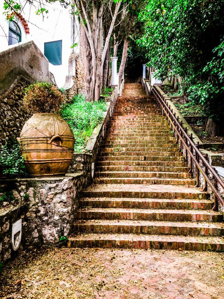 alley ana capri travelshare.gr