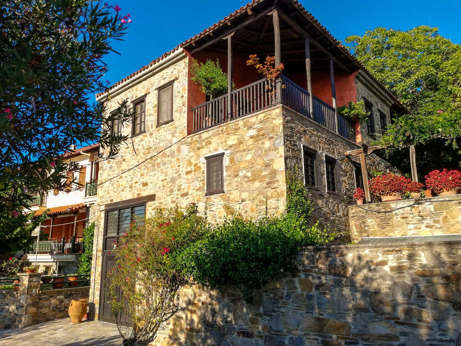 Μακεδονική οικία Παρθενώνας Χαλκιδική travelshare.gr