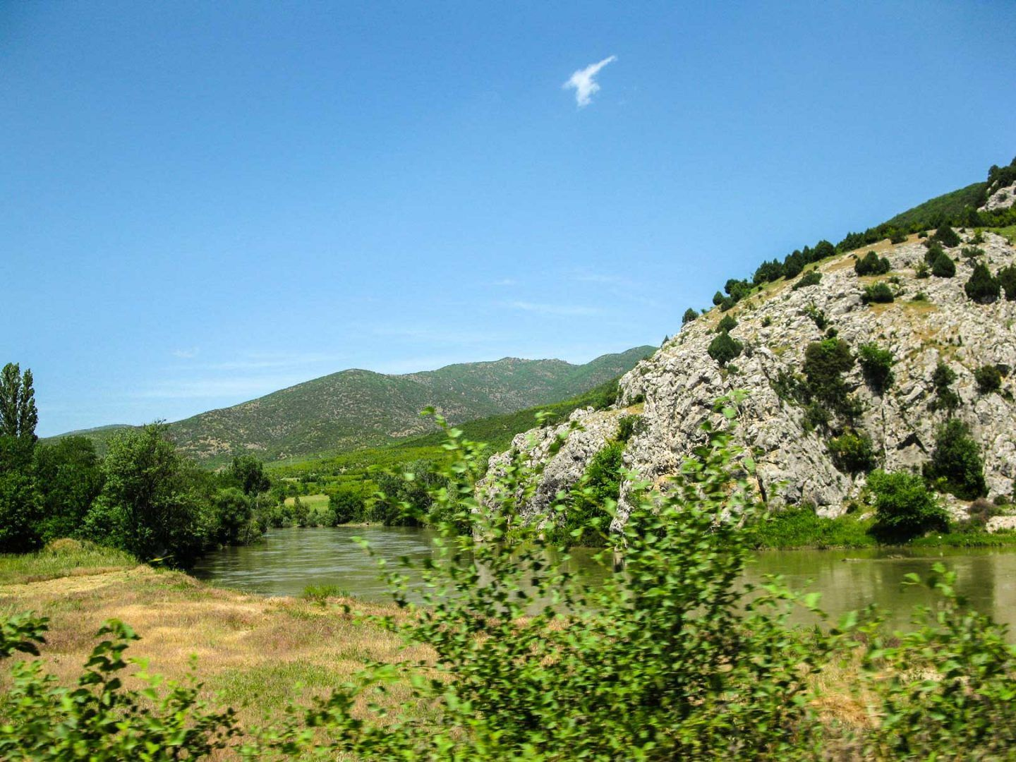 nature on the road to ohrid travelshare.gr Οχρίδα road trip