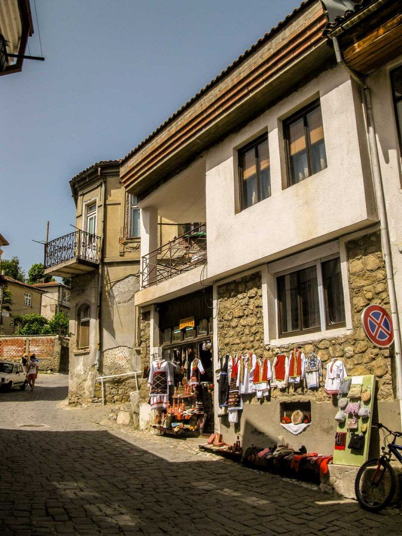 walking to old ohrid town travelshare.gr Οχρίδα road trip