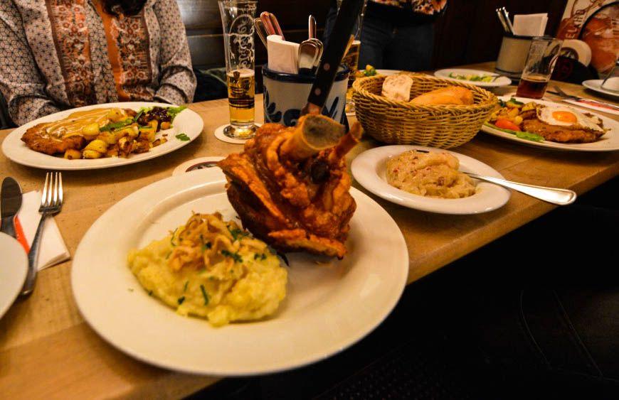 Γεύσεις του dusseldorf himmel und Ahd