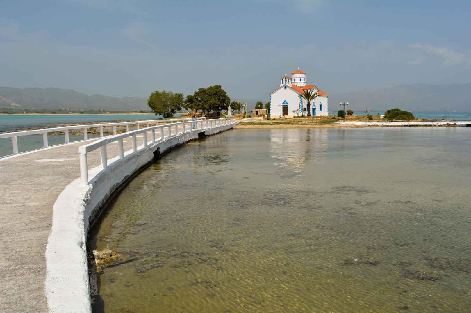 Ελαφόνησος εκκλησάκι Αγίου Σπυρίδωνα