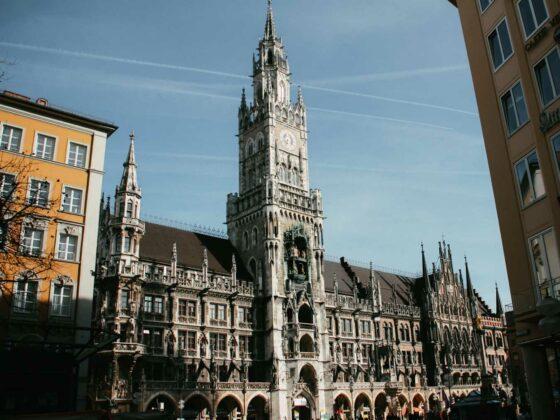 marienplatz-munich-town-hall-travelshare.gr