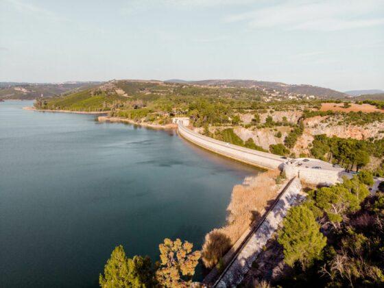 μονοήμερη εκδρομή στη λίμνη Μαραθώνα