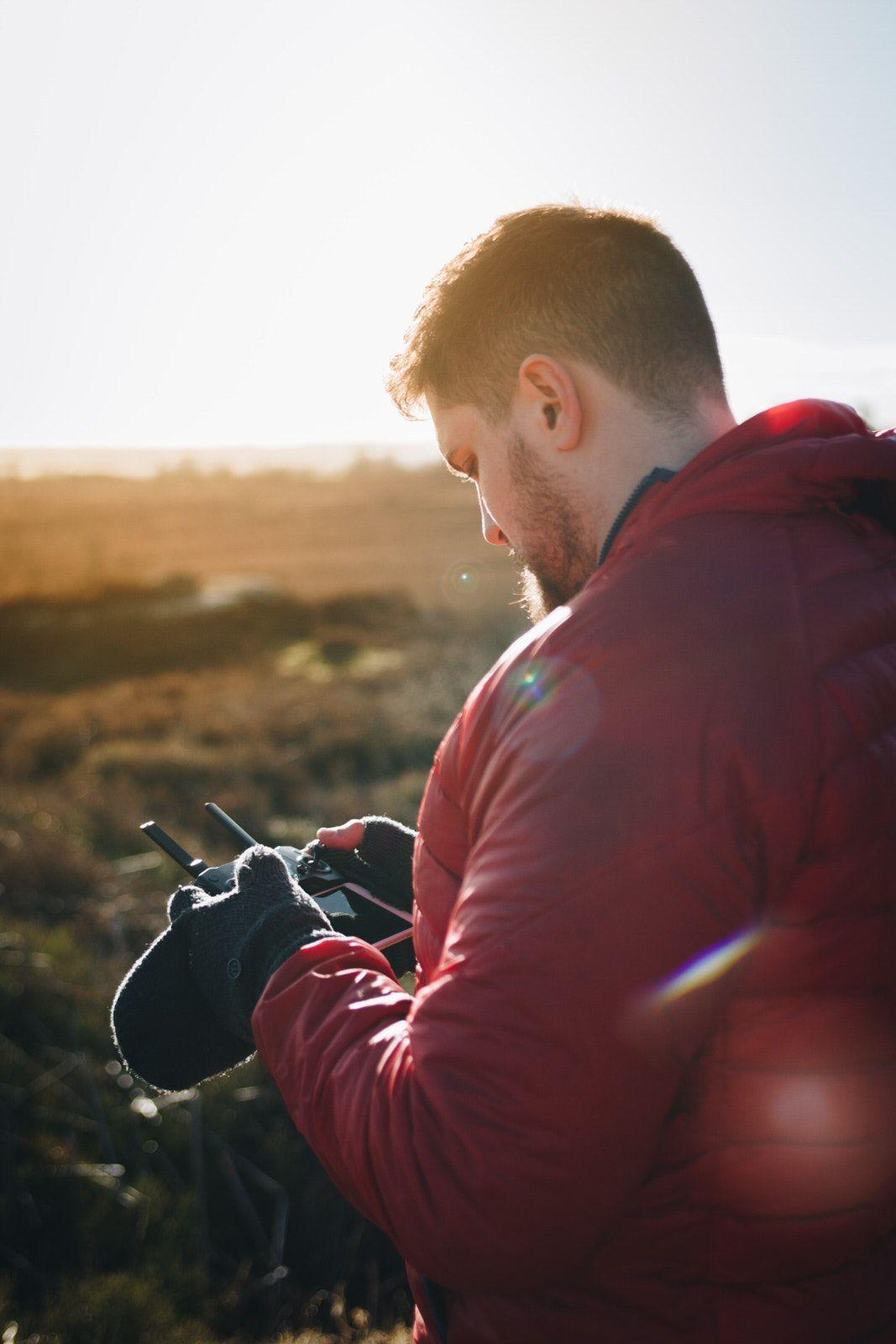 πετώντας drone το χειμώνα keep warm travelshare.gr