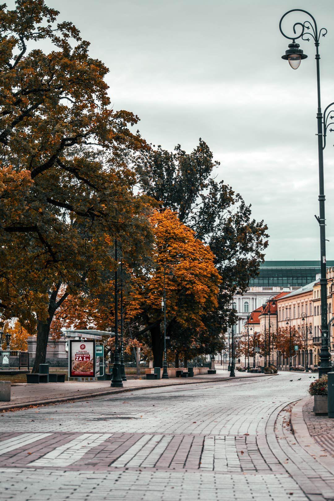 Δρόμος-στη-Βαρσοβία-πρωί-travelshare.gr
