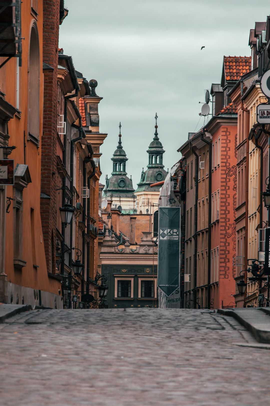Φωτογραφία στη Βαρσοβία travelshare.gr στενό στη παλιά πόλη